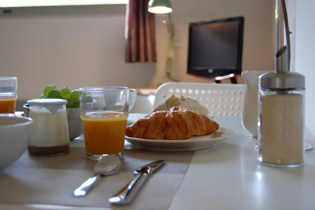 L'appart hôtel Deauville est équipé d'un canapé convertible avec matelas Bultex.