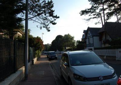Parking facile et gratuit dans la rue